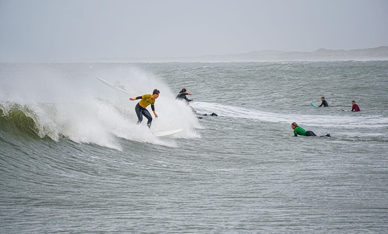 Store bølger på HF Cold Hawaii i Klitmøller